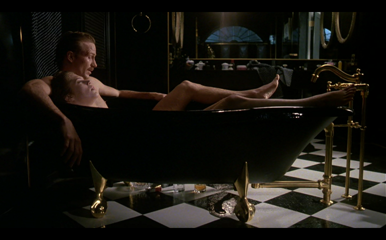 Kathleen Turner Body Heat Scene