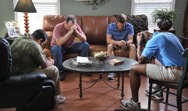 courageous-movie-men-praying-7